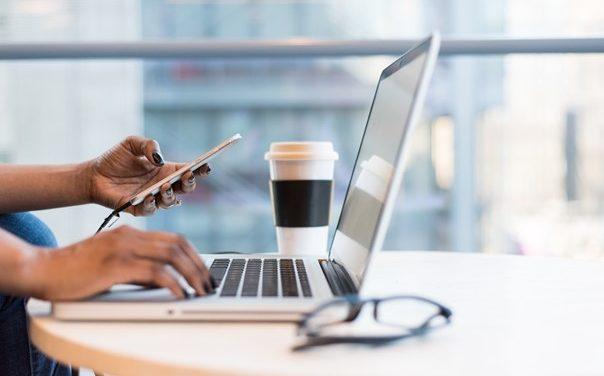 Le smartphone au travail, bienfait ou fléau ?